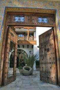 Spanish Style Courtyards A House On Amalfi In Pacific Palisades I Have A Thing For