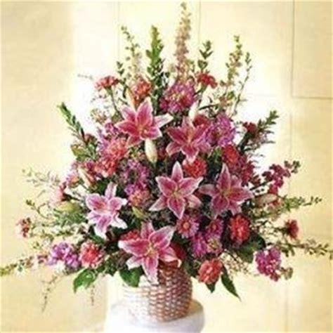 types of flower arrangements composizioni floreali composizione fiori