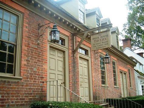 the brick house tavern williamsburg brick tavern the brick house tavern photo soaraway s photos buzznet colonial