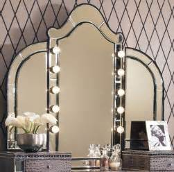 Makeup Vanity Table Lighted Mirror Lighted Vanity Makeup Table With Mirror
