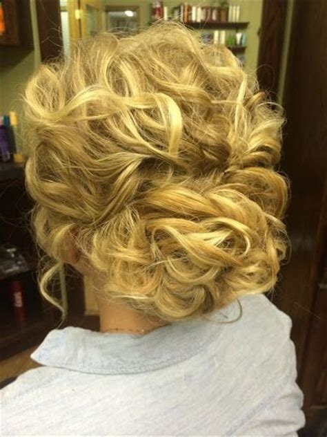 easy bridesmaid hairstyles for curly hair curly hair updos for bridesmaids updo hairstyles