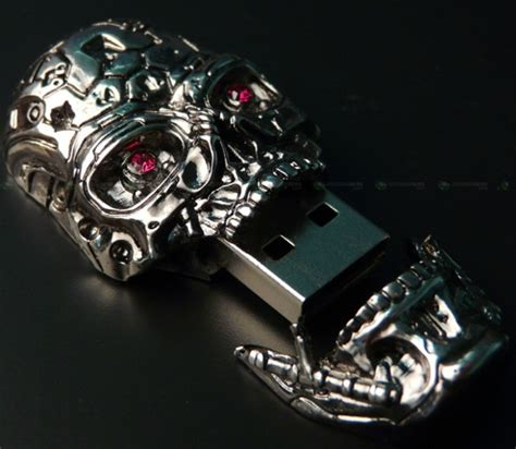 bed bug terminator scary silver skull usb drive craziest gadgets