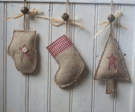 diy burlap christmas decorations holiday diy projects