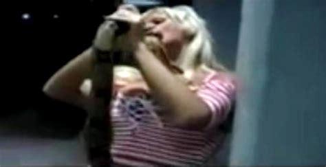 film ular boa gigit anunya model seksi ular boa ini langsung mati 171 si