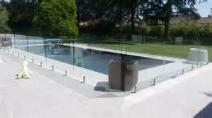 barriere infrarouge piscine r 233 alisations de barri 232 res de piscines en verreamext