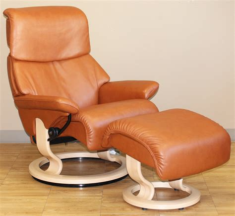 leather recliner chair ottoman stressless dream royalin tigereye leather recliner chair