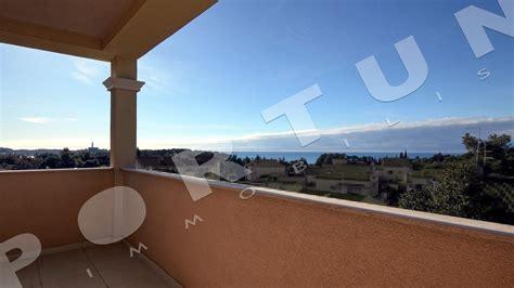 rovigno appartamenti sul mare contemporaneo bilocale con vista sul mare e sul centro