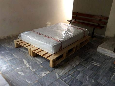 wooden pallet bed frame 10 ideas about pallet bed frames 99 pallets