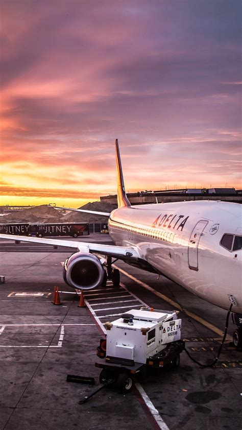 wallpaper for iphone plane delta airline on jfk airport 1080x1920 airplanewallpaper