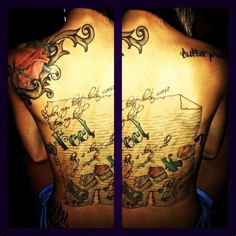 tattoo pen up close maci bookout s back tattoo up close i love thisss