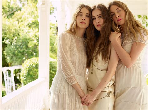 lauren antola lauren dukoff haim vanity fair giant artists