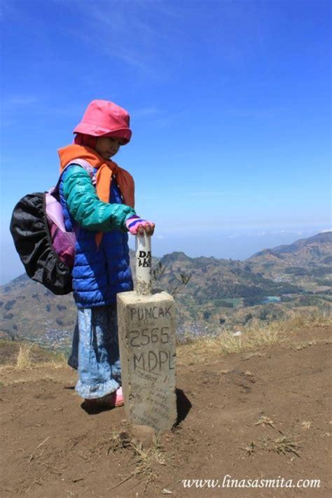 life   journey mendaki gunung memakai rok  enggak