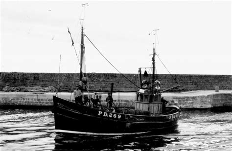 fishing boat accident tarbert watchful pd 269 scottish boats gallery