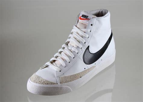 Nike Blazer Premium Vintage nike blazer mid 77 premium vintage white black