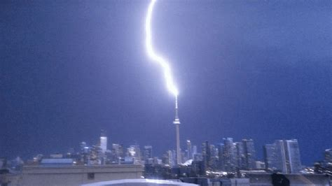 torontos cn tower lightning gifs clios blog