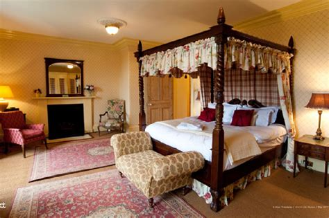 how many bedrooms in highclere castle highclere castle bedrooms www imgkid com the image kid
