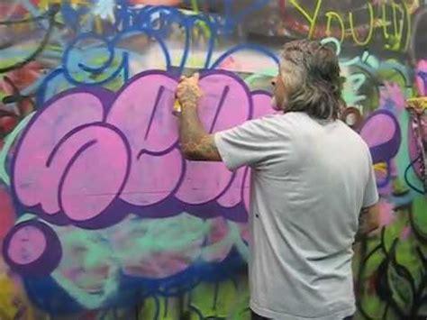 graffiti throw    youtube
