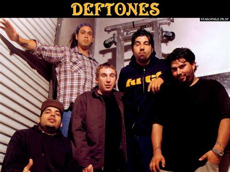 deftones dvd una raccolta di rarit 224 e un dvd per i deftones freakout
