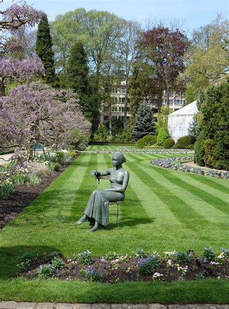 Botanischen Garten by Im Botanischen Garten Picture Of 28 Images Jungpflanzenmarkt Im Botanischen Garten In Graz