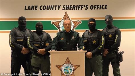 a swat team blew a hole in my 2 year old son update florida sheriff warns heroin dealers about swat team