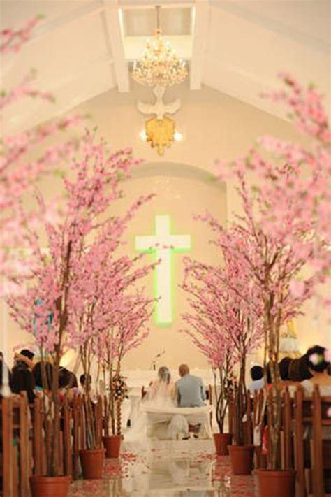 Cherry Blossom Wedding Decorations by Blossoming Trees For Weddings B Lovely Events