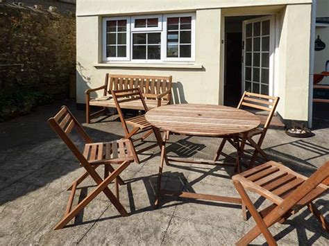llantwit major self catering accommodation in llantwit major wales quot llantwit major self catering quot the the old bakehouse in