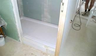 comment carreler une salle de bain 0 poser un receveur