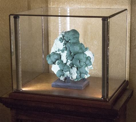 Greenstone Lighted Display Cases For Minerals Art Curios Lighted For