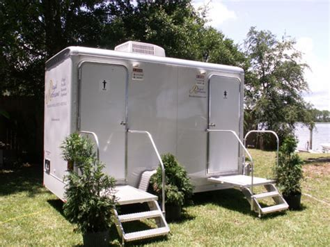 portable bathroom rentals for weddings royal restrooms phoenix arizona portable restrooms and