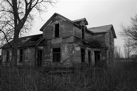 old abandoned buildings days gone by on pinterest old farm houses old houses