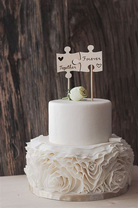 Unique Wedding Cake Toppers by Best 25 Cake Toppers Ideas On Wedding Cake