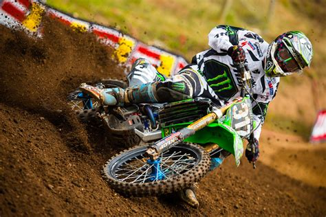 dirt bike motocross racing kawasaki dirt bikes racing www pixshark com images