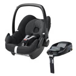maxi cosi pebble 0 plus car seat in black and