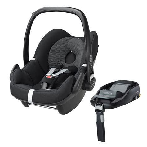 and black car seat maxi cosi pebble 0 plus car seat in black and