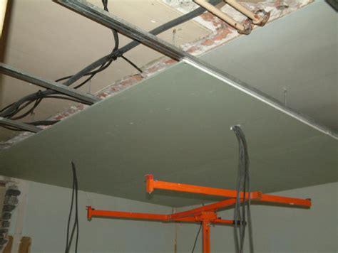 Plafond Sur Rail by Rail Pour Faux Plafond Maison Travaux