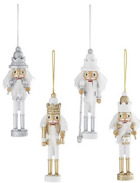 Home Xmas Decorating Ideas by Christmas Decorating With Nutcrackers Simplified Bee