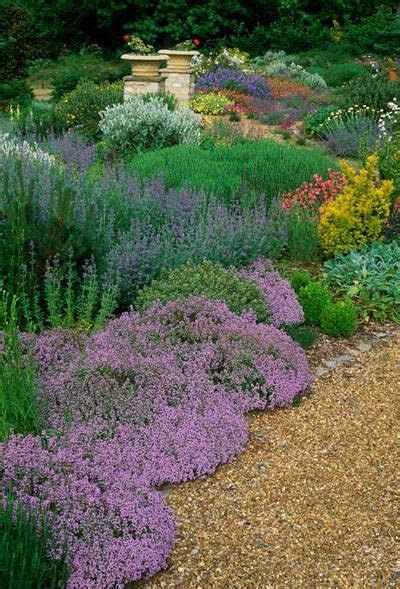 replacing mulch 189 best images about landscaping exteriors on