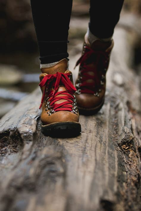 danner s mountain light cascade hiking boot danner mountain light cascade boot from california by