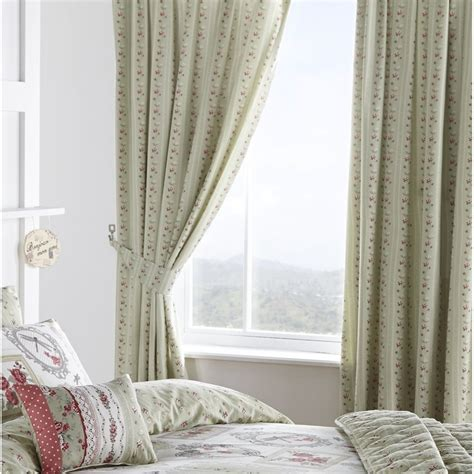 Dreams N Drapes Pretty As A Picture Green Vinatge Floral