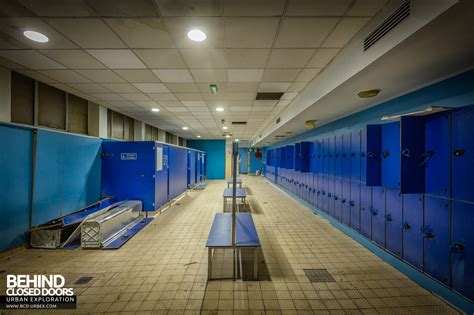Pool Changing Room by Scartho Baths Swimming Pool Grimsby 187 Urbex