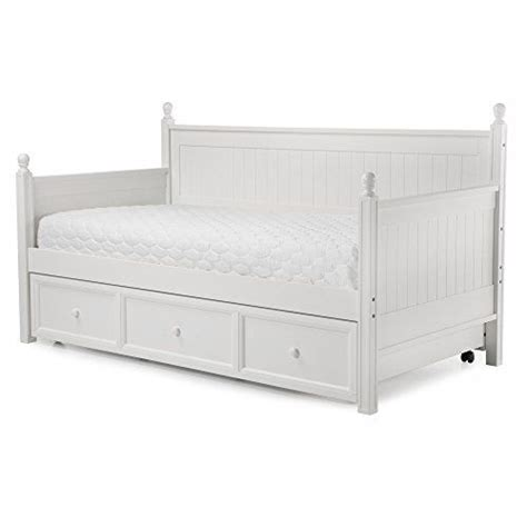 comfortable trundle beds 25 best ideas about trundle daybed on pinterest single