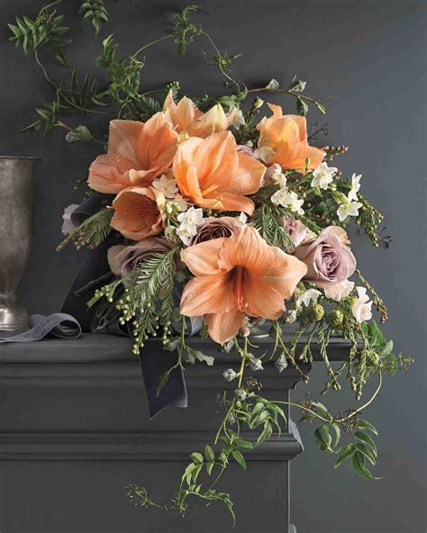 8 Bouquets Inspired by the Most Popular Wedding Flowers