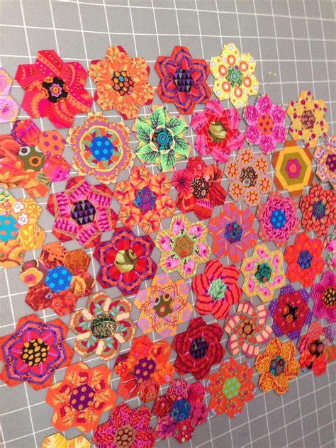 Hexagon Patchwork Quilt Designs - hexagon quilt patterns follow glorious color on