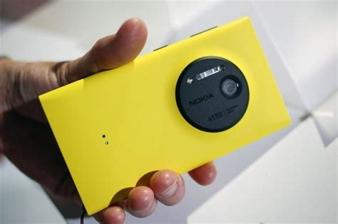 Nokia Lumia 41 Megapixel Nokia Lumia 1020 Price Uk Release Date Specs Features And All You Need To In Top 10
