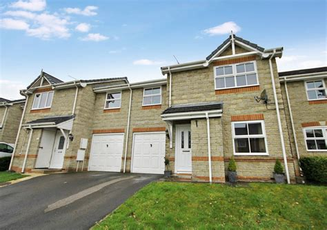 1 bedroom flat to rent in swindon private 3 bedroom semi detached house for rent in shaw swindon