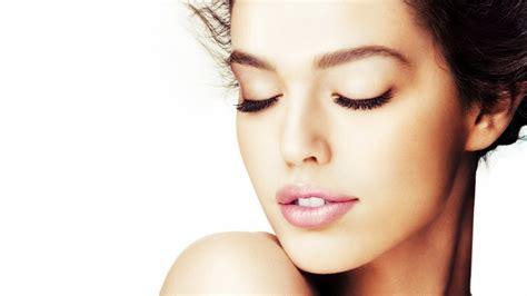 cara membuat wajah lebih glowing 7 manfaat alpukat untuk wajah lebih bersinar dan bercahaya