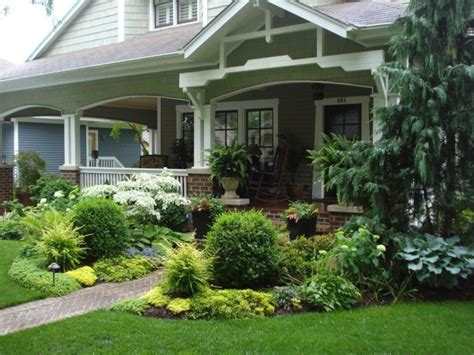 maximizing the beauty of your house using front yard landscape plans decohoms