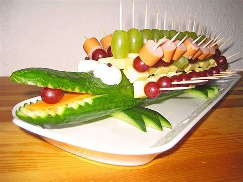 Essen Kindergeburtstag by Gurkenkrokodil Salate Obst Gem 252 Se