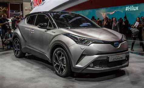 toyota new c hr 2017 model toyota c hr cenevre otomobil fuarında