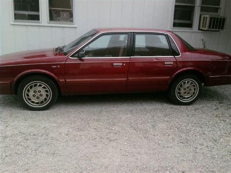 1994 oldsmobile cutlass supreme overview cars com 1994 oldsmobile cutlass ciera overview cargurus